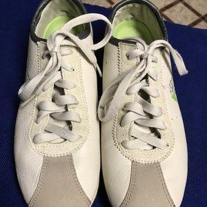 Reebok Kids Sneaker Shoes- Size 5.5